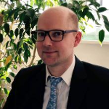 Dr. Peter Lennartz